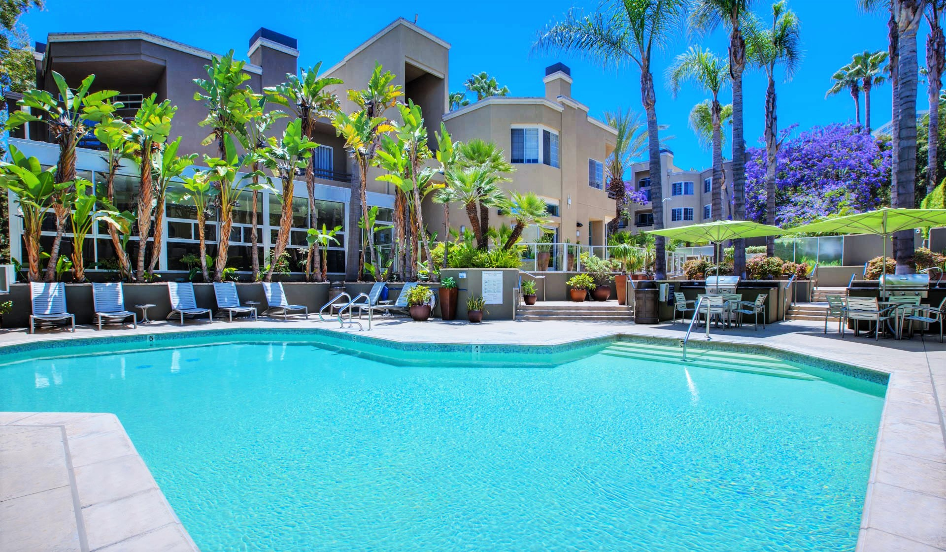 Hillcreste Apartments in Century City, CA - Resort-Style Outdoor Pool