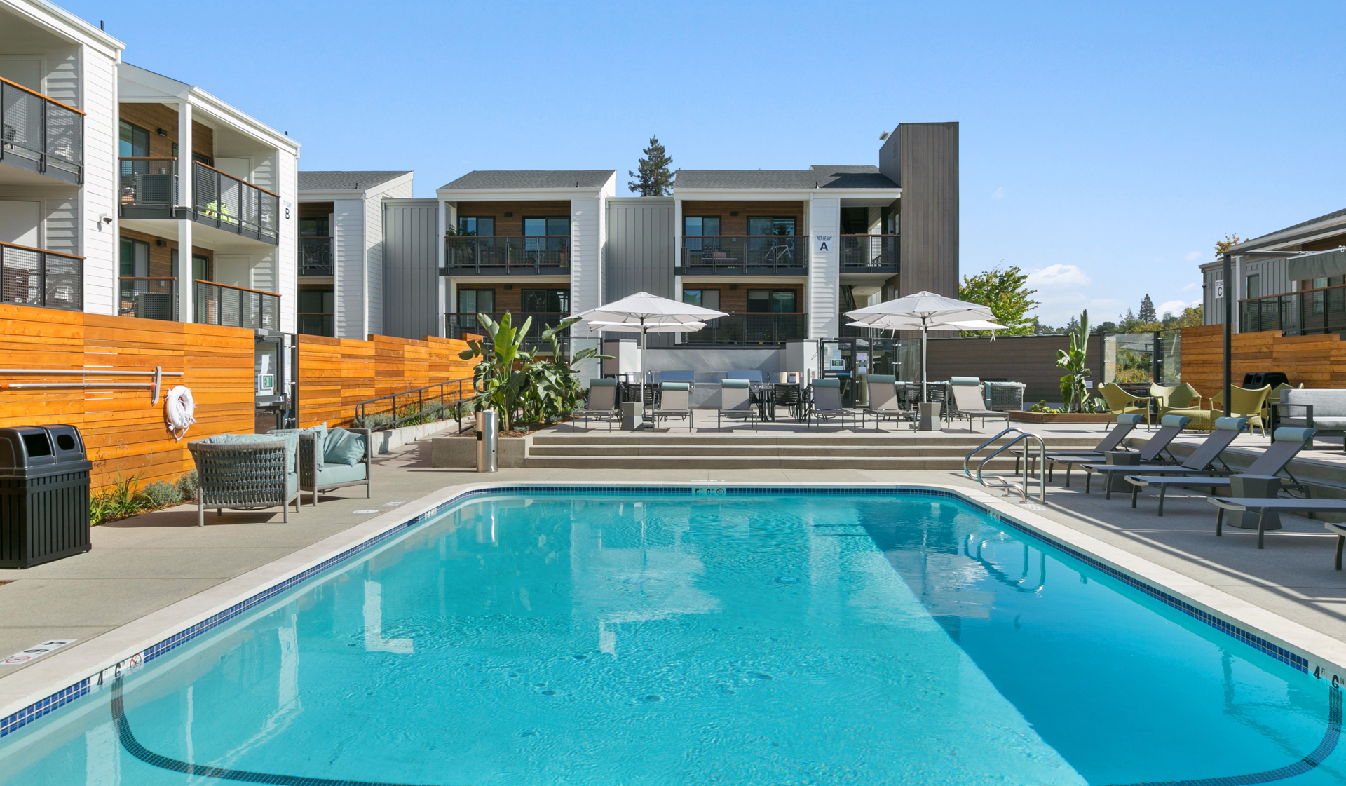 707 Leahy Apartments in Redwood City, CA - pool