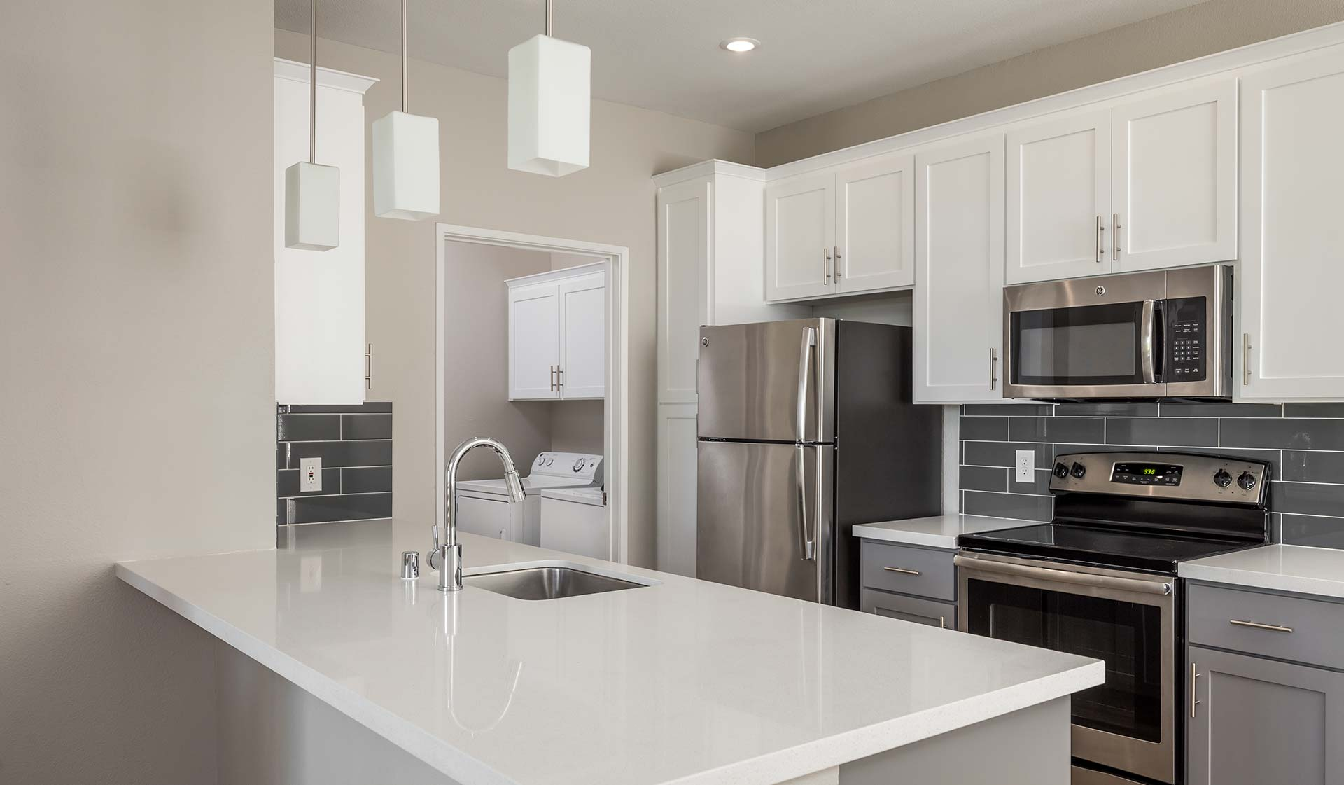 Luxury Apartments for rent in San Jose, CA - Modern Kitchen